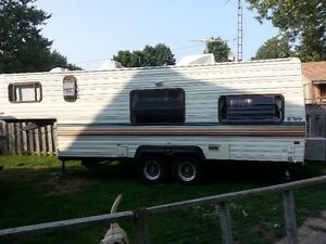Terry Trailer 5th Wheel in very good condition