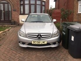 Mercedes Benz 2.1 litre diesel / SERVICE HISTORY N MILEAGE WARRANTED/Will take offers