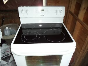 GREAT DEAL ON NEW STOVE PAID 799 SELLING FOR 300