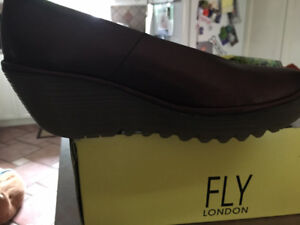 Fly shoes