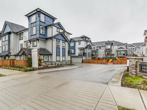 Near New Townhouse Located in Yorkson Langley