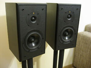 KEF CRESTA 1 high end British speakers new in box with stands