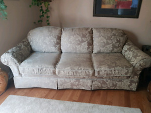 Sofa - Couch excellent condition