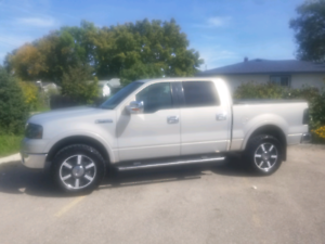2006 Ford F150 Lariat Lots of Extras!