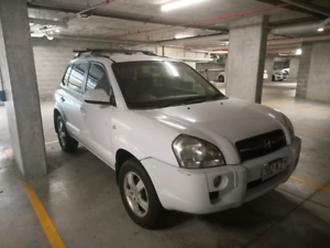 Hyundai Tucson Automatic 2008 plated 126000 low klms