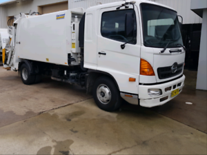 Truck driver must have night ABN MONDAY TO FRIDAY $1400