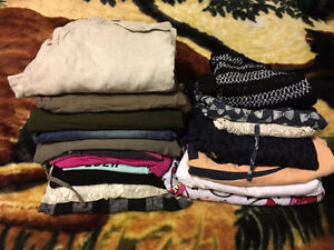 Women's Size S/M 18 piece clothing lot