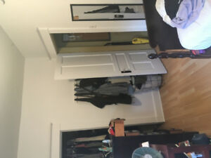 Sublet or Lease Takeover: Room in Student Apartment on Oxford
