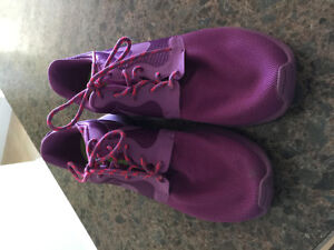 Nike Roshe sneakers, very good condition, never worn outdoors