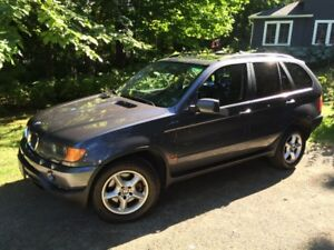 2003 BMW X5 4x4 SUV Fully Loaded with Leather and Sunroof