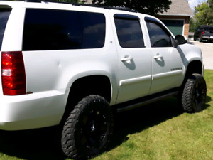 Lifted 2008 suburban