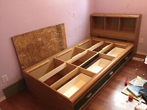 Twin mates bed with headboard