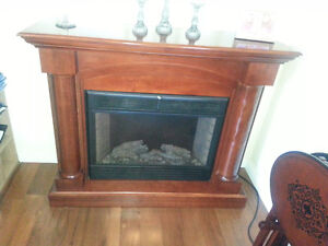 Twin Star 33E05 Electric Fireplace Heater TV Stand West Island Greater Montréal image 2