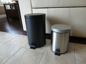 Selling 2 Garbage Cans -One Matte Black One and Stainless One Kitchener / Waterloo Kitchener Area image 1