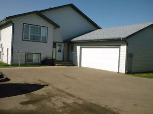 Morinville Townhouse- Double Garage - Available May 1st