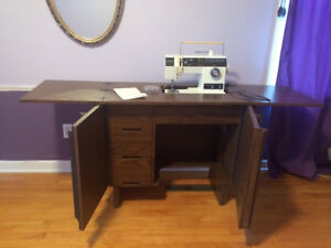 Singer Sewing Machine and Table (model 6234)