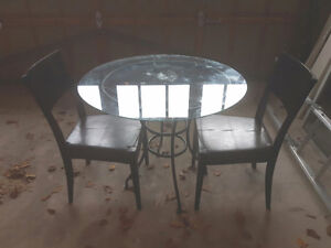 Glass bistro table with 2 chairs Oakville / Halton Region Toronto (GTA) image 1