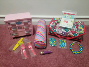 AMERICAN GIRL DOLL COUCH & DRAWER with accessories