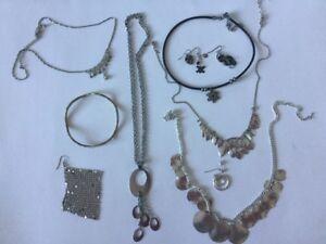 divers bijoux argent plusieurs styles - a voir