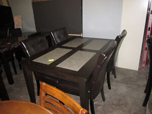Beautiful Brand New 5 piece dining set - Delivery Available