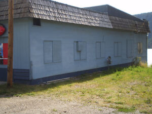 Large Commercial building with locked compound Williams Lake Cariboo Area image 3