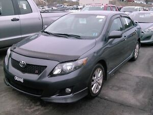 2010 Toyota Corolla  S, automatic, accident free, sunroof, autom