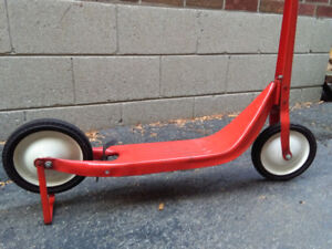 VINTAGE Red Radio Flyer Type SCOOTER LIKE NEW