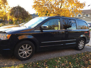 2010 Chrysler Town & Country Town country Minivan, Van