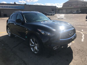 The only Infiniti FX50 Sport with Tech Pack for sale in Canada!