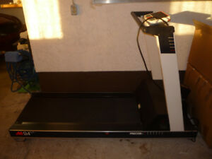 For Sale - Fitness Treadmill with Heart Rate Monitors - Like New