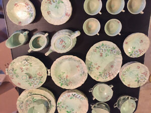 66-piece Royal Doulton China set. Barbara Vernon FANTASY