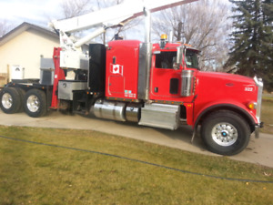2013 peterbilt picker truck,(AS NEW CONDITION).REDUCED!!!!!