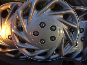 15''STEEL WHEEL CAPS SILVER X4