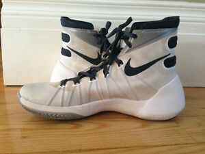 Nike Hyperdunk 2016 B-ball shoes