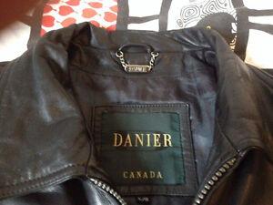 Genuine Danier Leather Jacket (Large) / Men's Kitchener / Waterloo Kitchener Area image 3