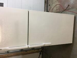 18 cubic ft GE fridge white freezer on top