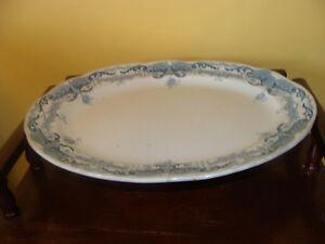 assiette de service oval, signé Manley-England Empire
