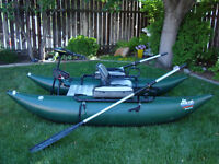 Single Pontoon Boat