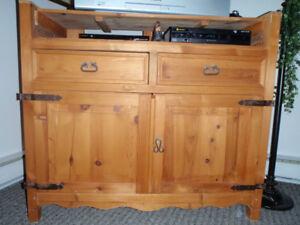 meuble de rangement de style ancien