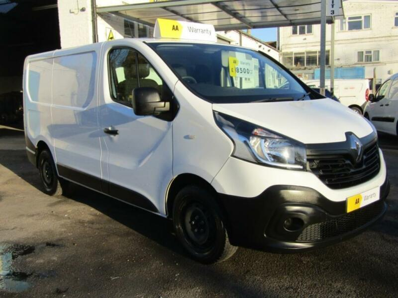6e7e7223c3ab55 2015 Renault Trafic SL27dCi 115 Business Van 5 door Panel Van