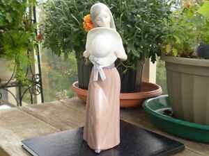"Lladro Figurine- "" Girl with Hat """