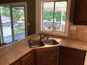 $2500/5br/2.5 bath/-2600ft2/ House for rent @ Pitt Meadow center