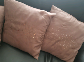 4 Beigy/Stone Cushions