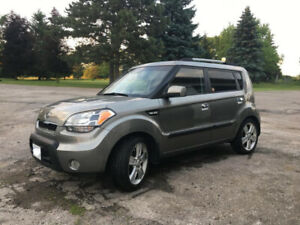 2010 Kia Soul 4U, Manual 5 speed, great shape!
