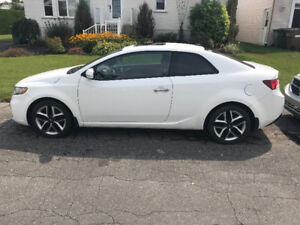 2011 Kia Forte Coupe (2 door) SX 2.4L