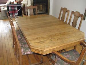 Set de cuisine antique de bois 6 chaises