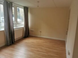 Furnished Large Bedsit in Finsbury - Bills Included