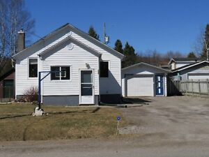 ----pending sale--- moving in ready home in nipigon!!