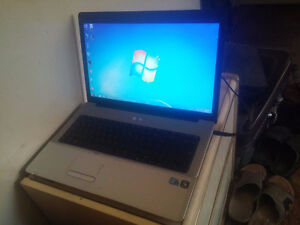 "17.3""- 250GB HDD-Dual Core-HDMI-HP G71-Mint"