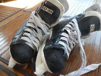 Skates Boys CCM Size 10